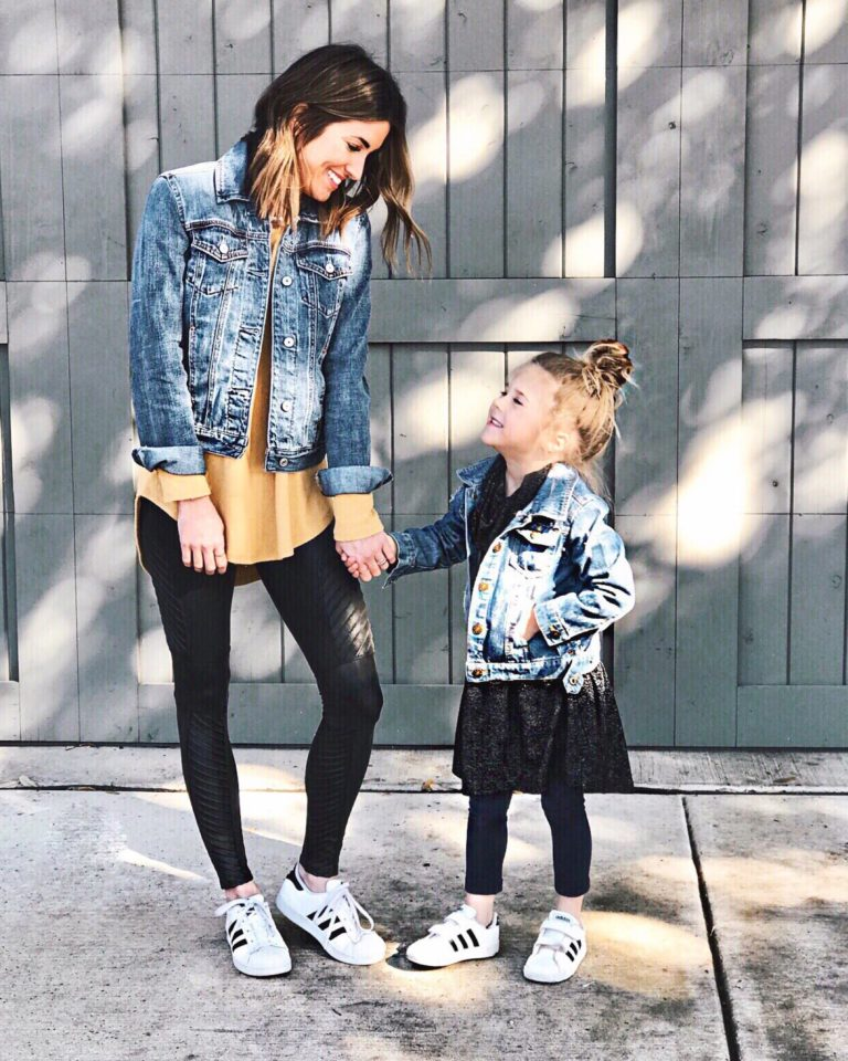 How To Wear A Denim Jacket With Leggings The Denim Jacket Shop